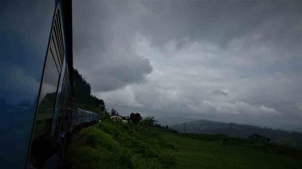 Train Ella Kandy track in clouds2