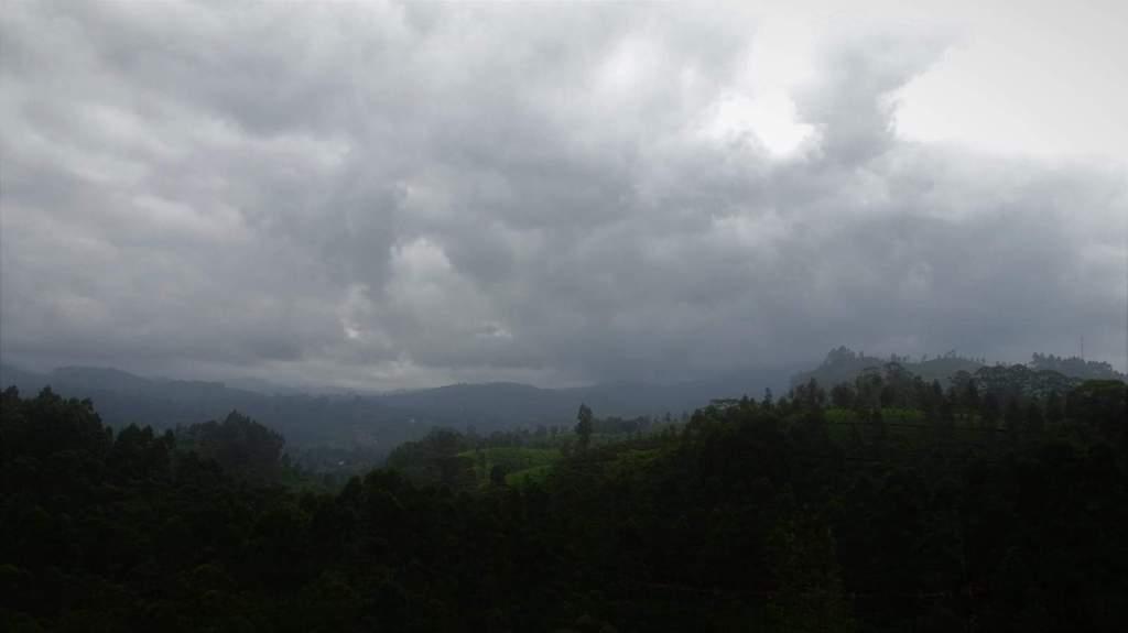 Train Ella Kandy track in clouds3