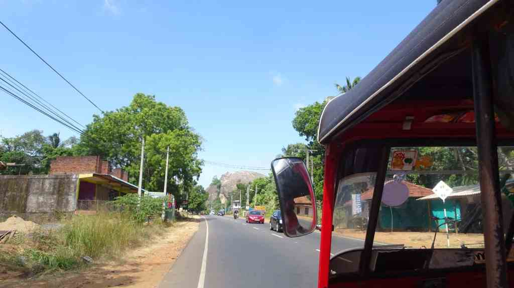 Transportation in Sri Lanka - Rent your own Tuk tuk