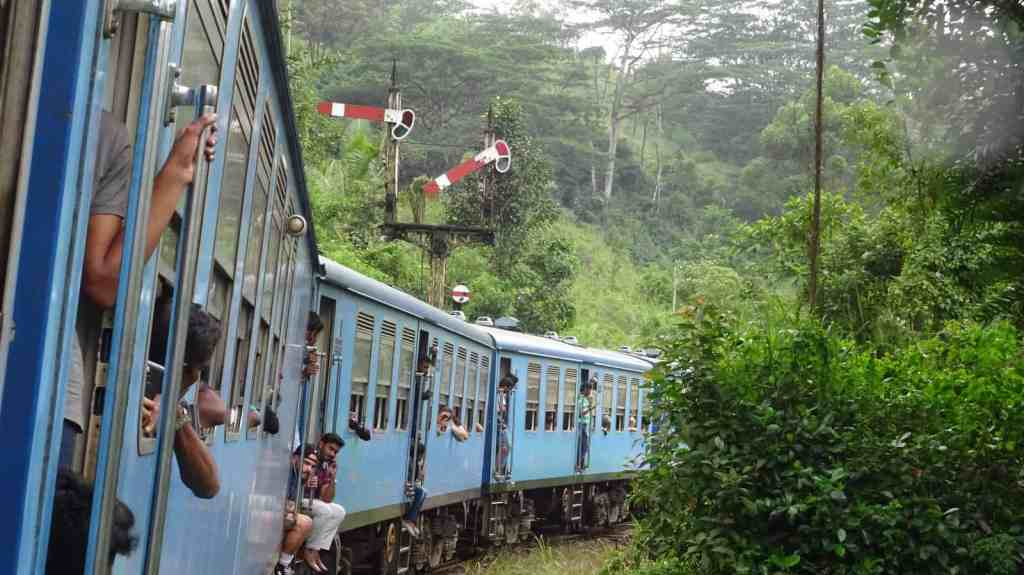 Transportation in Sri Lanka, Take the Train (2)