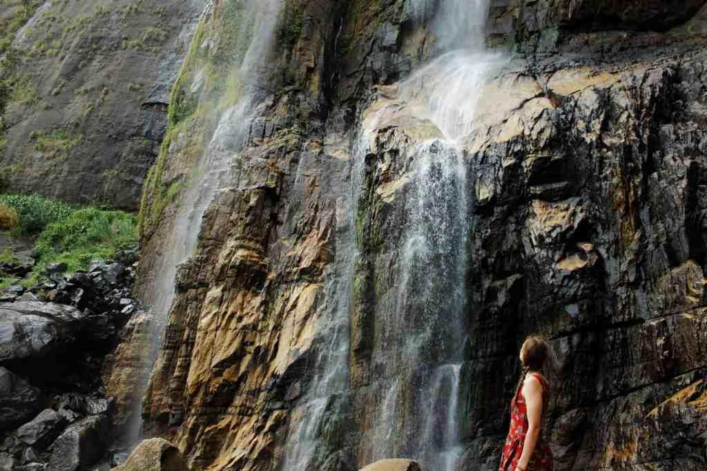 Diyaluma waterfall; looking up to the waterfall