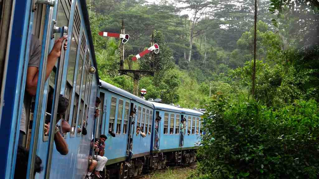 Best things to do in Sri Lanka- take the blue train from Kandy to Ella.