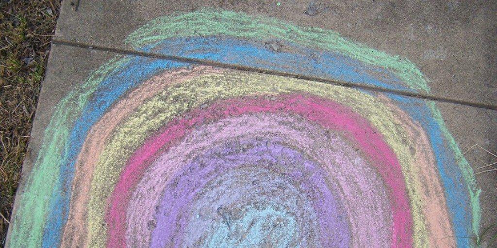 constructive play-sidewalk chalk mural