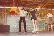 Red Dog Saloon Bubbie:Dawn Skate Dancers