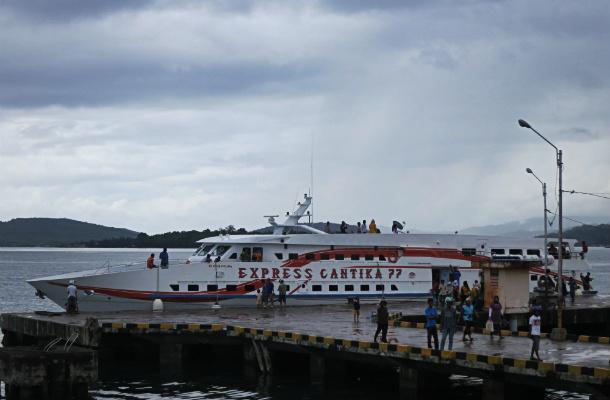 kapal cepat wakatobi