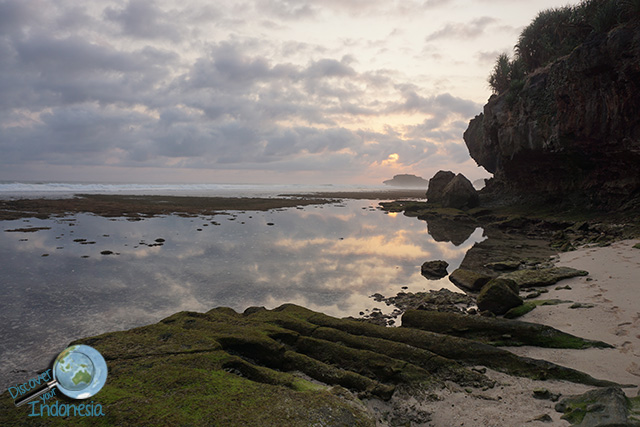 small beach near watu karung beach pacitan
