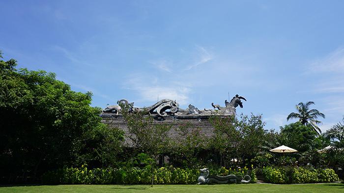 Bale Kokok Pletok Tugu Hotel
