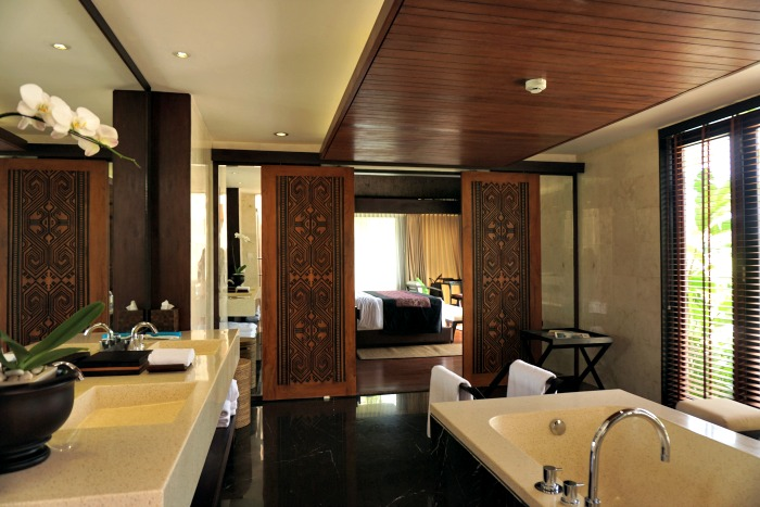 the bathroom of the Sanctoo Bali