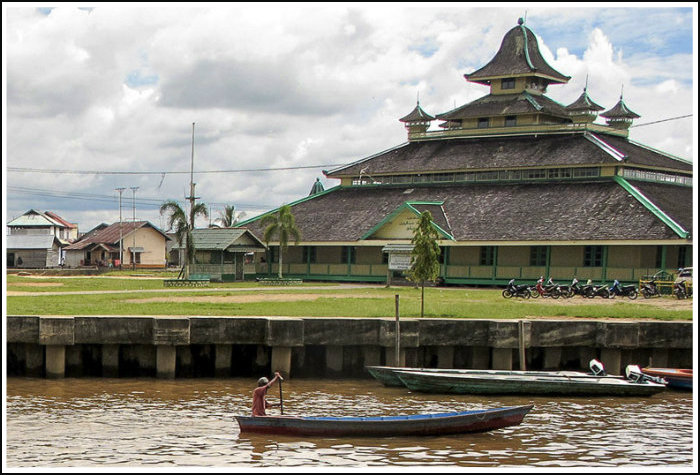 Pontianak Travel Guide: the Portal to West Kalimantan ...