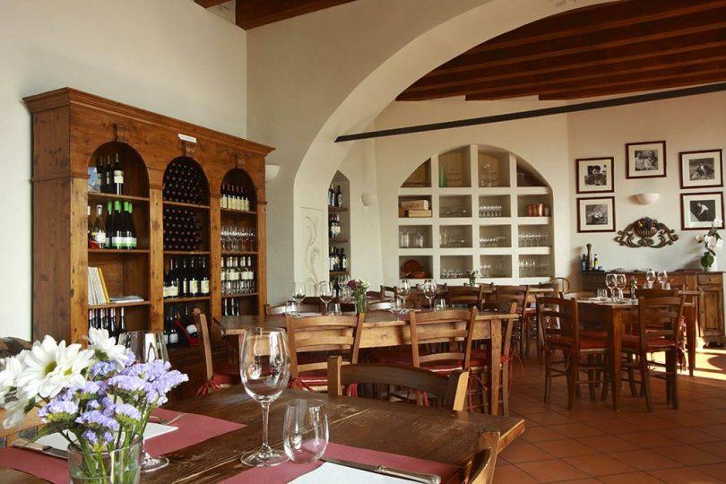 Versa il vino!… Eccellente Marzimino .- Gusta-Ristorante-Casa-del-Vino-della-Vallagarina-01-visitrovereto