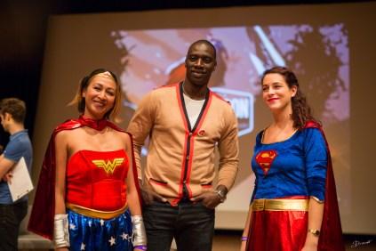 Omar Sy Wonderwoman et SuperGirl
