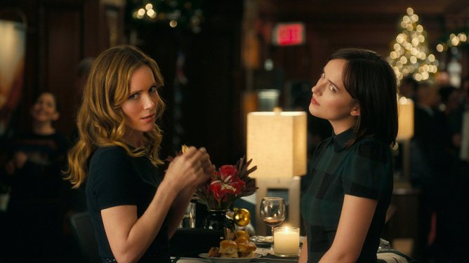 Leslie Mann and Dakota Johnson in Romantic Comedy How To Be Single.