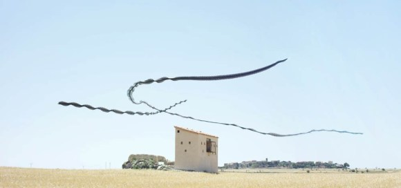 Xavi Bou's 'Ornitografías': If birds left tracks in the sky…