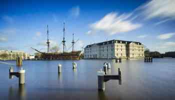 Anavigationalnightmare:Watchatime lapseofPortofAmsterdam