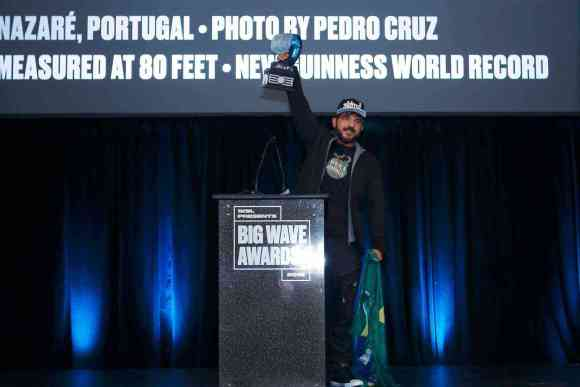 World Record: This is the biggest wave ever surfed Rodrigo Koxa