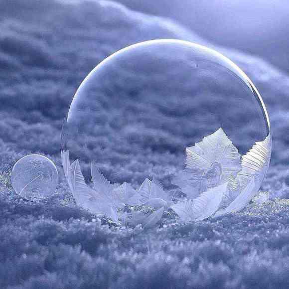 Watch a soap bubble freeze