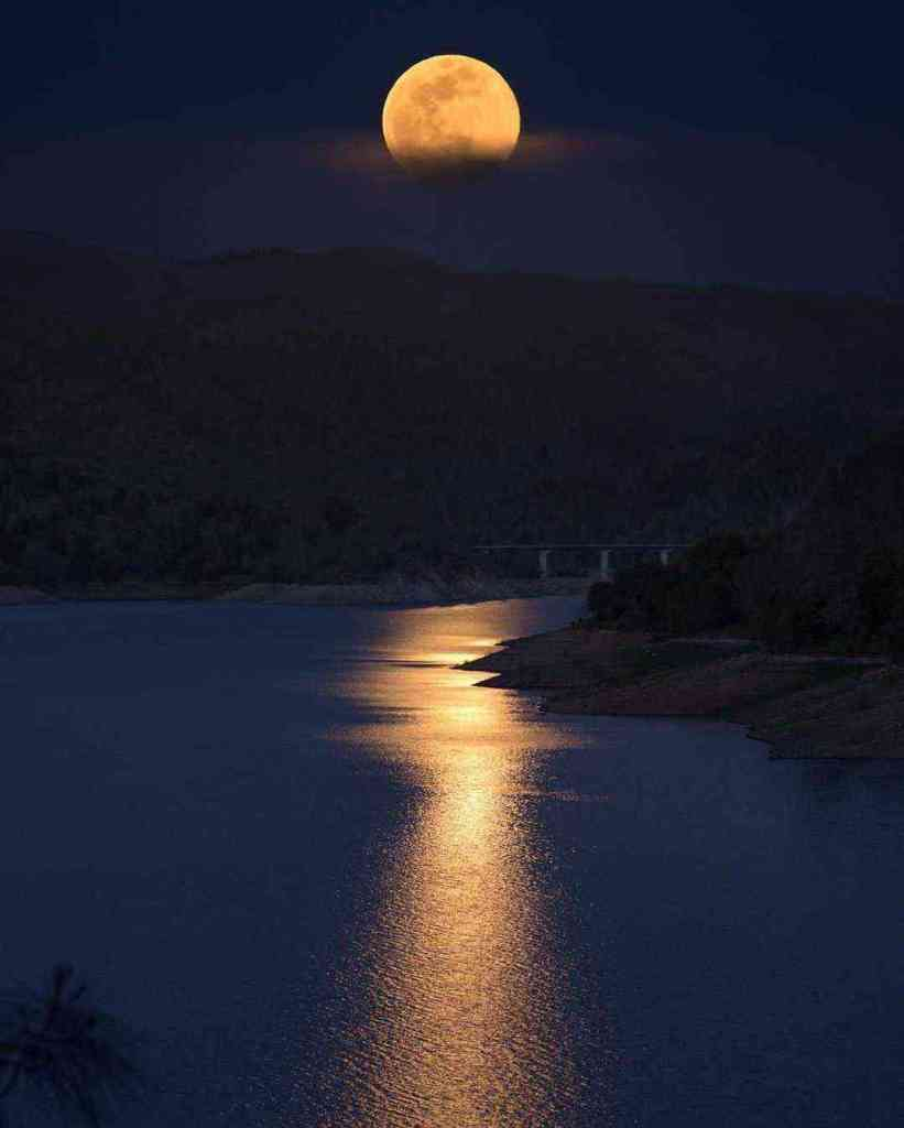 Views of the Pink Moon from around the world