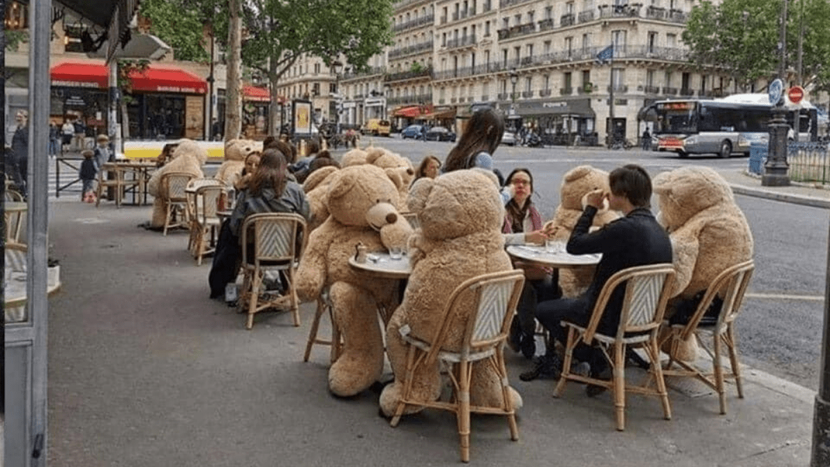 Giant teddy bears enforce social distancing in Paris cafe