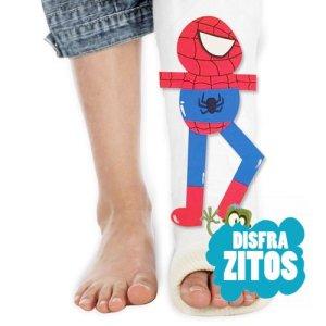 Complemento de goma eva con el dibujo de Spiderman para decorar tu escayola de la pierna