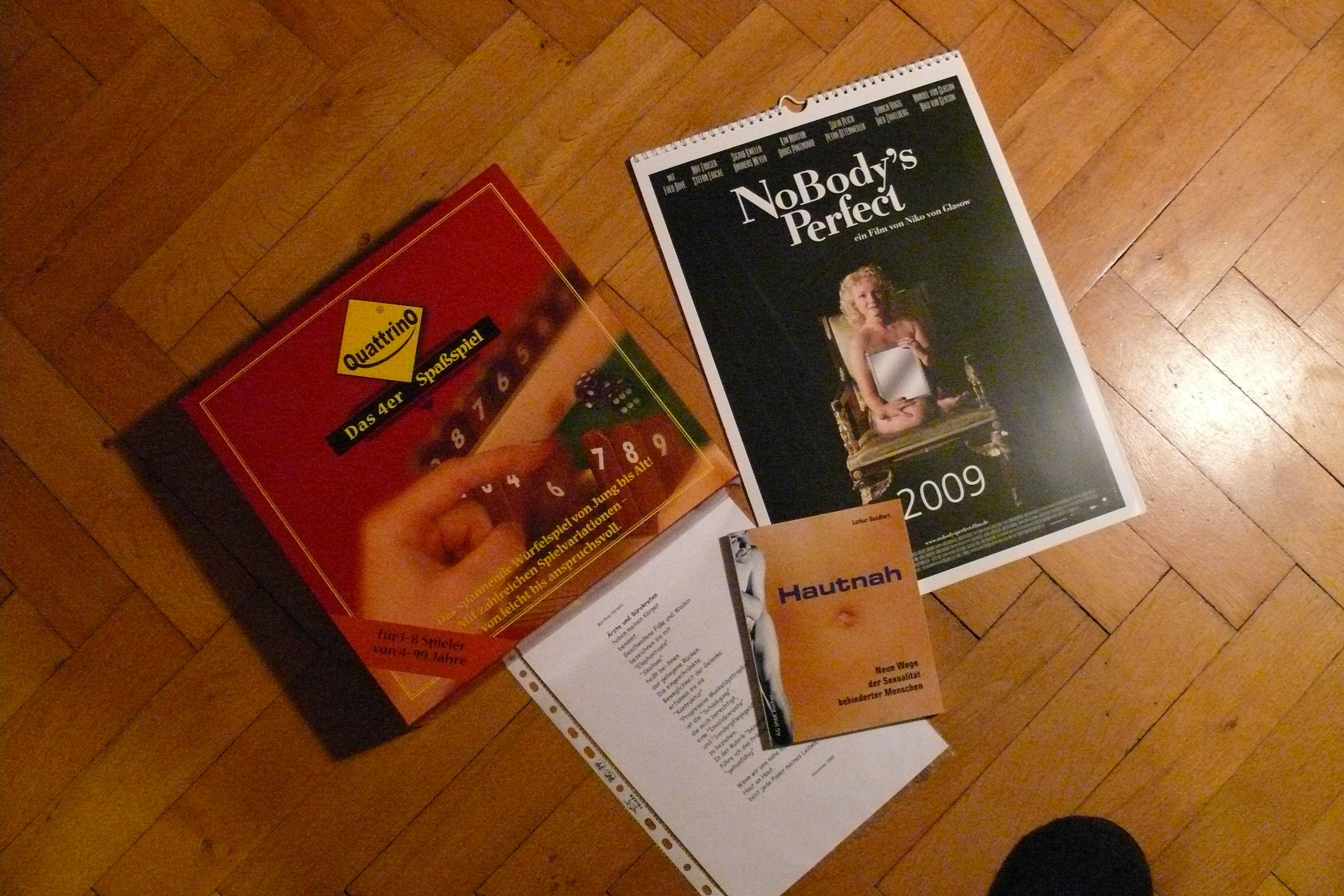 Spiel Quattrino, Buch zum Film NoBody's Perfect und Gedicht von Matthias Vernaldi