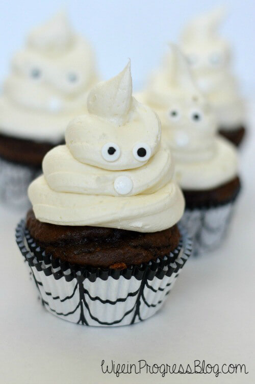 Halloween Ghost Cupcakes from Wife in Progress