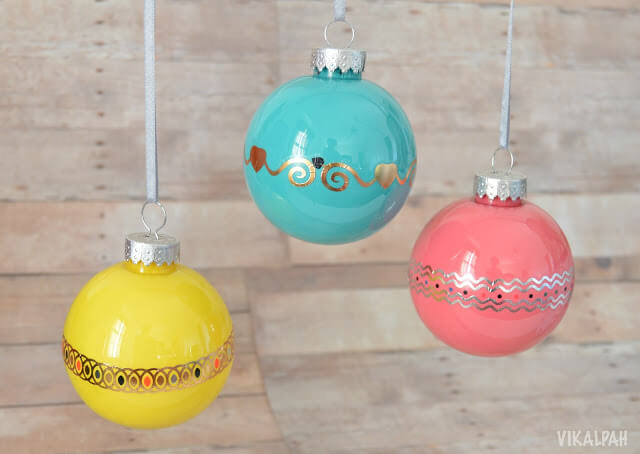 DIY Christmas Ornament using Temporary Tattoos from Vikalpah