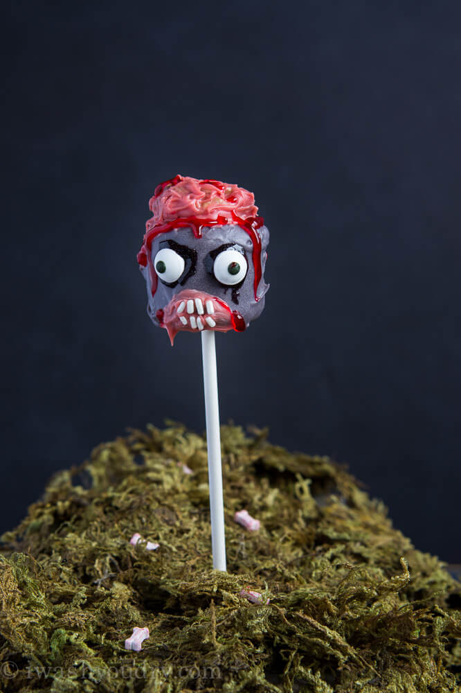 The Walking Dead Zombie Marshmallow Pops from I Wash You Dry