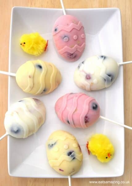 Healthy Easter Egg Breakfast Popsicles Recipe from Eats Amazing