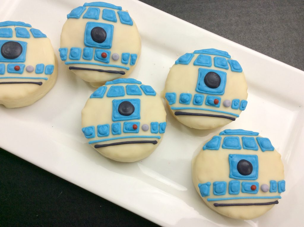 Star Wars R2D2 Treats from A Sparkle of Genius