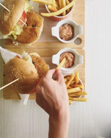 "4. Veg Burger ""Fresh"""
