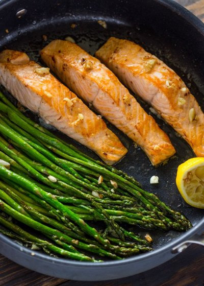 Lemon Garlic Salmon Asparagus