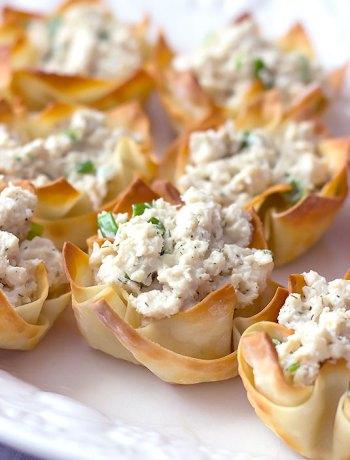 Crab-Salad Stuffed Wonton Cups