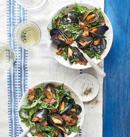 Spring Entertaining - Mussel kale salad with bacon