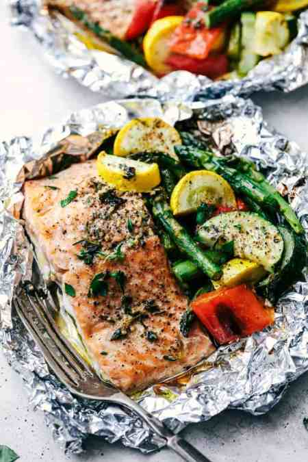healthy summer- Salmon foil pack with veggies
