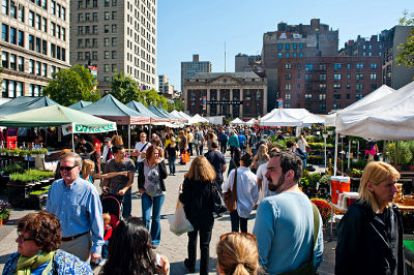 union-square-farmers-market-photo-new-tork-city-cc