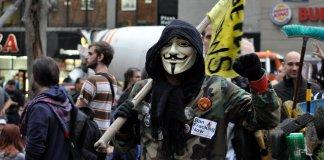 Hacia la utopía liberticida por medio de la incoherencia