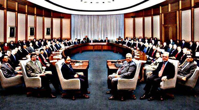 La instauración silenciosa del gobierno transnacional