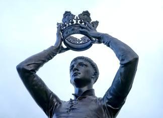 Ocaso del mito del rey taumaturgo