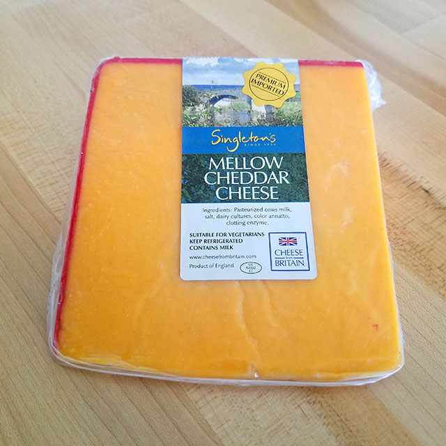 Mellow Cheddar Cheese (Top Hat) – Singleton's