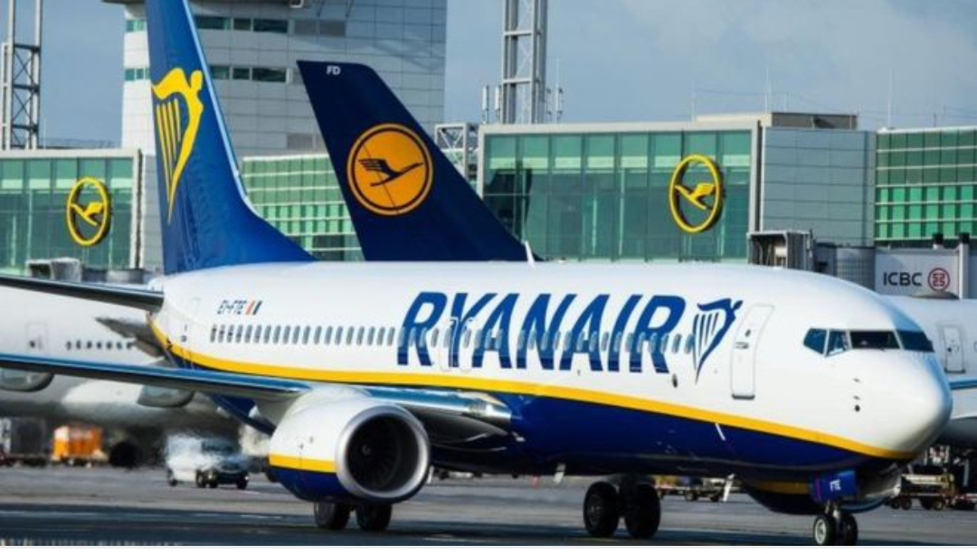 A black woman racially abused on Ryanair flight to London. (Video)