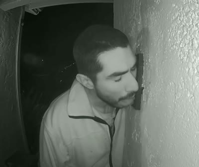Door Bell Licking Man Caught on Camera – Video