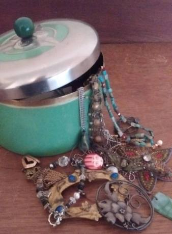 Sara's resolution, necklaces spilling out of jewelry box