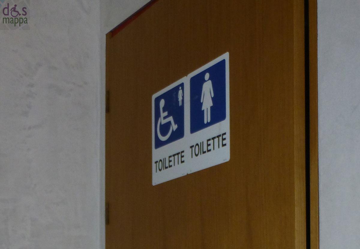 Bagno disabili porta normativa bagni disabili