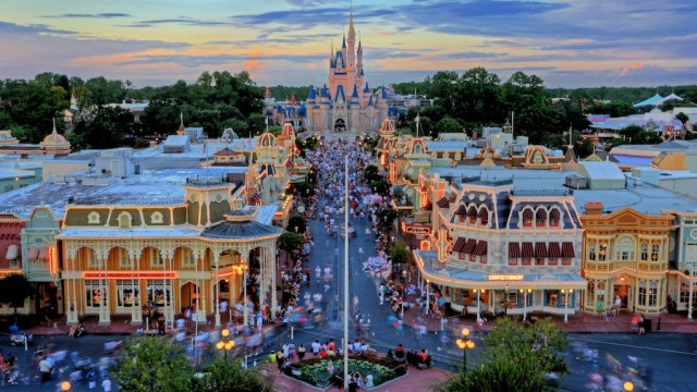 Doing Disney With A Large Travel Party