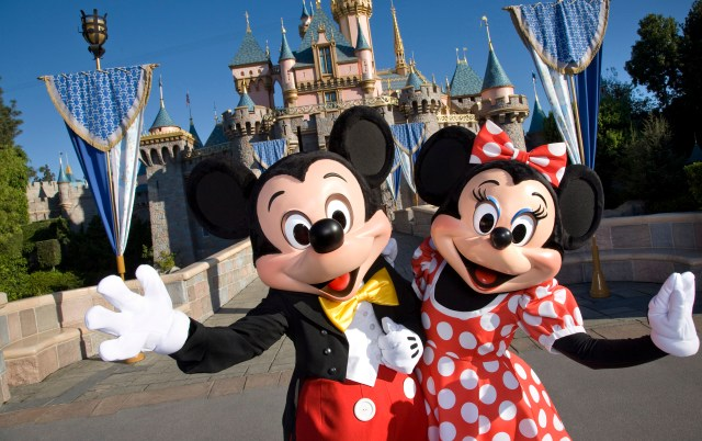 What Are the Best Places to Eat in Disneyland with a Preschooler?