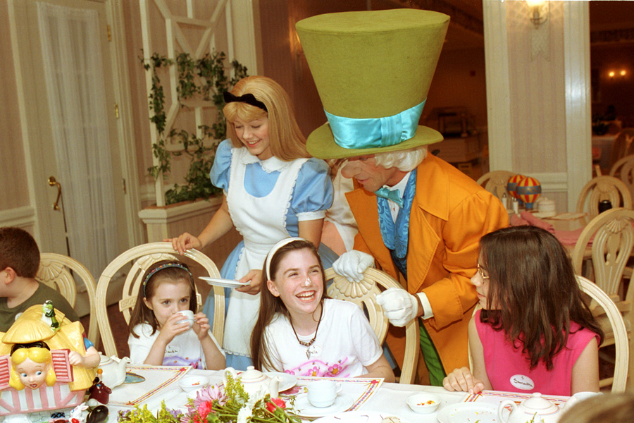 """No Grown-Ups Allowed: Activities for """"Kids Only"""" at Walt Disney World"""