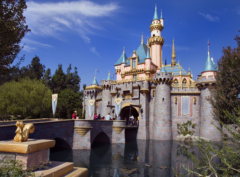 What Discounts are Currently Available at Disneyland?