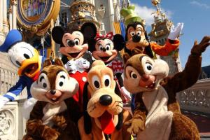 """5 Reasons you should have a """"Disney Bestie"""" 10"""