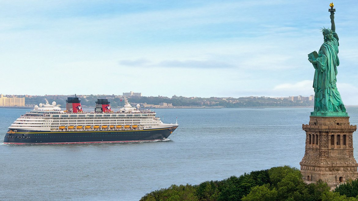 5 Reasons Why We're In Love With Disney Magic's New York Sailings