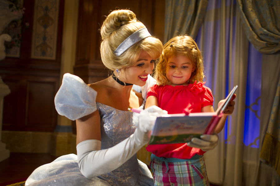 10 Ways to Pay It Forward at Walt Disney World
